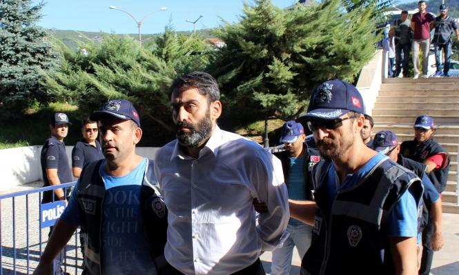 تركيا تعتقل رجال أعمال وتأمر بالقبض على ضباط
