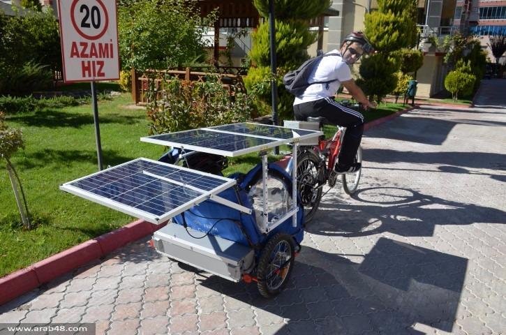 صمم دراجة عائلية لقضاء الوقت مع أطفاله