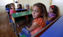 ربع مليون طفل سوري يبحثون عن التعليم بمخيمات لبنان