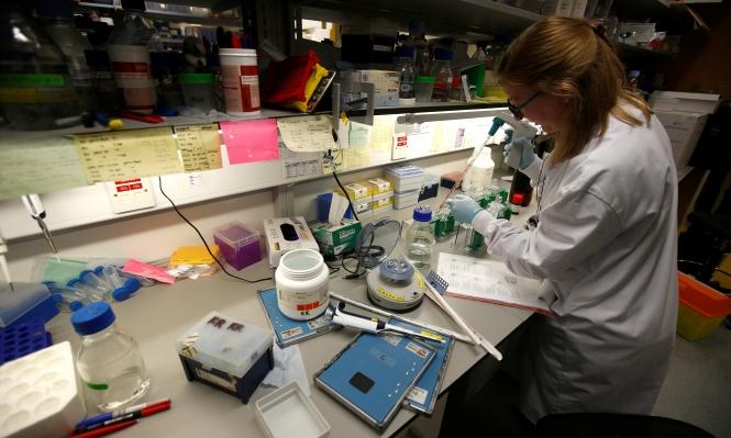 التحقيق في تمويل أبحاث السرطان والتشكيك بمصداقيتها