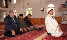 التعانق الديني بتركيا... إمام يعتني بكنيسة