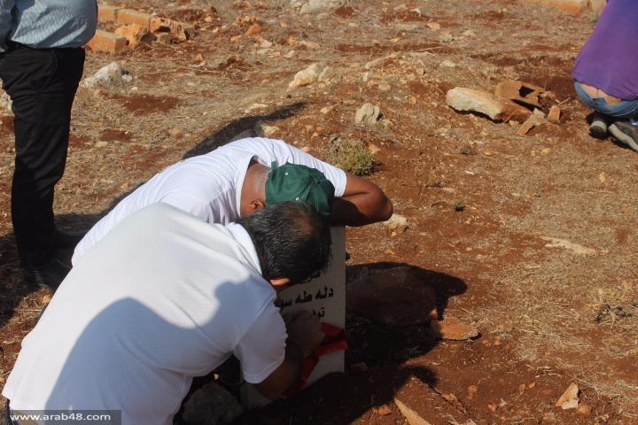 رمية: الشرطة تمنع ترميم المقبرة