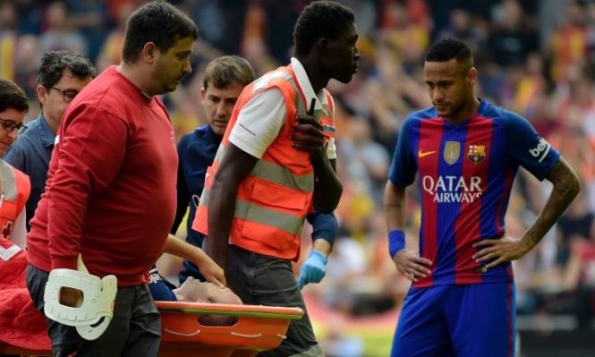 الإصابة تبعد إنييستا عن برشلونة لفترة طويلة