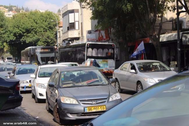 """الناصرة: """"غاضبون يحرقون دوار البيج""""... حلول أزمة السير!"""