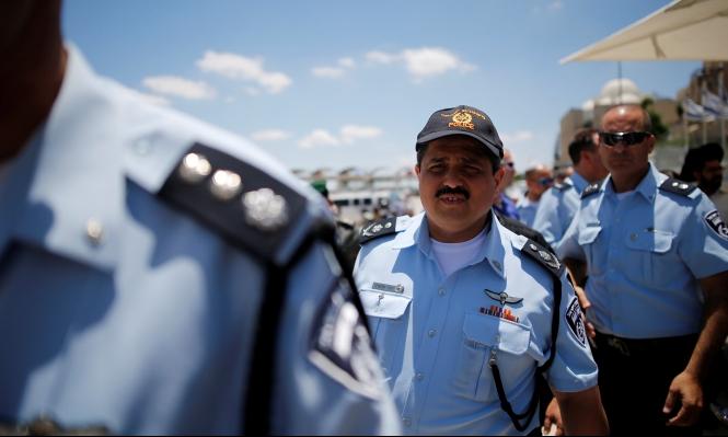 ألشيخ يحرض أفراد الشرطة ضد العرب