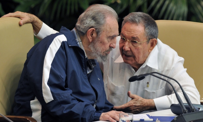 نصف قرن وأكثر من الأخوين كاسترو