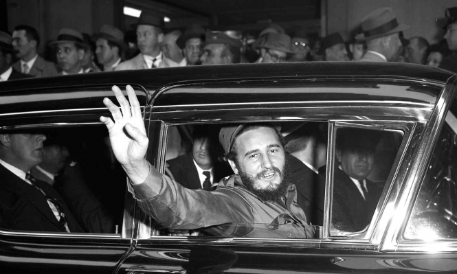 قادة دول ينعون كاسترو