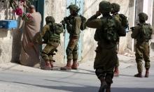 الاحتلال يعتقل 4 فلسطينيين ويداهم بيوت