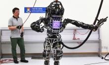 روبوت أطلس أصبح يمشي على أرض وعرة!