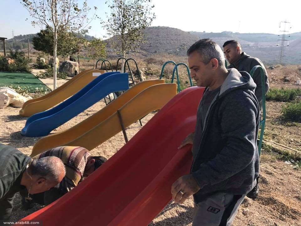 يوم عمل تطوعي للتجمع لترميم متنزه مجد الكروم