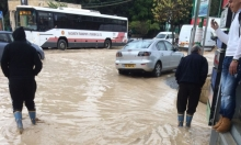 كفر كنا: مياه الأمطار تغرق الشوارع وتتسبب بأزمة مروريّة