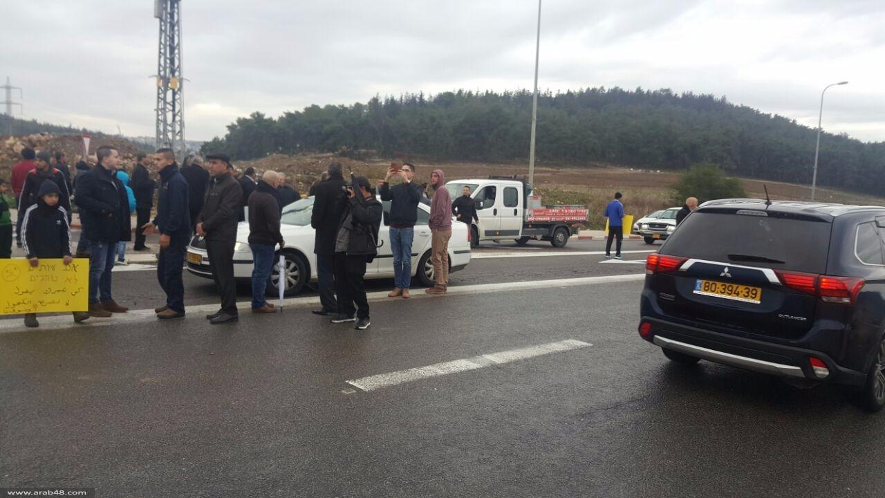 عيلوط: متظاهرون غاضبون يغلقون شارع الموت