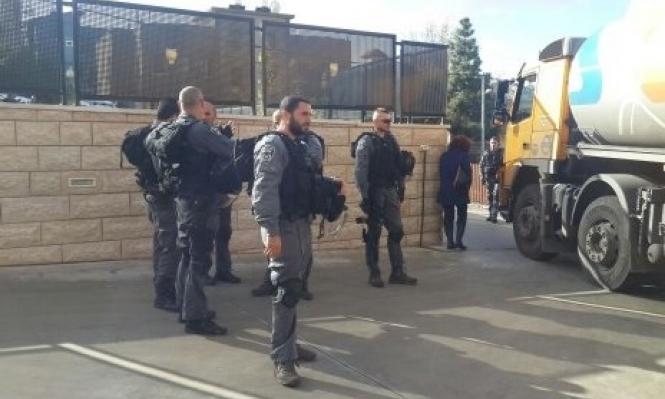 الناصرة والرينة: مداهمة محطتي وقود بزعم عدم قانونيتهما