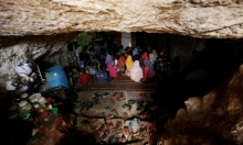 أحياء تحت الأرض... قصص لعائلات سورية تعيش في الكهوف