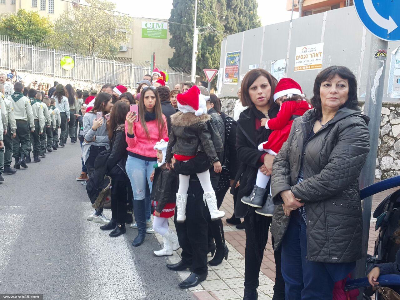 الناصرة: عشرات الآلاف يشاركون في مسيرة عيد الميلاد الـ34