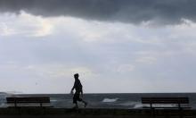 زوارق الاحتلال الحربية تستهدف الصيادين في بحر غزة