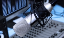 بتأخير 22 عاما... مناقصة لإذاعة عربية بالبلاد