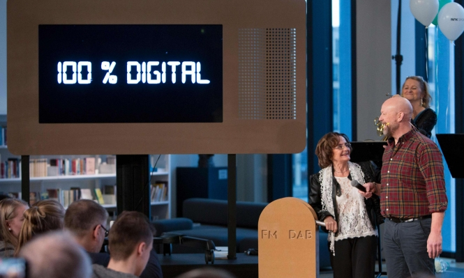 النرويج رقمية: أول دولة تغلق بث FM