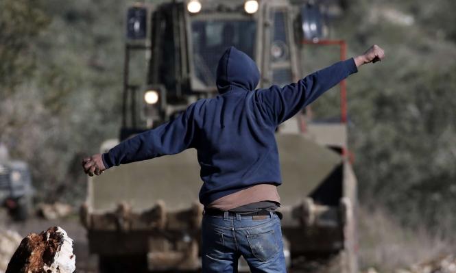 الاحتلال يعتقل 9 فلسطينيين ويهدم مبان ويصادر أراضي