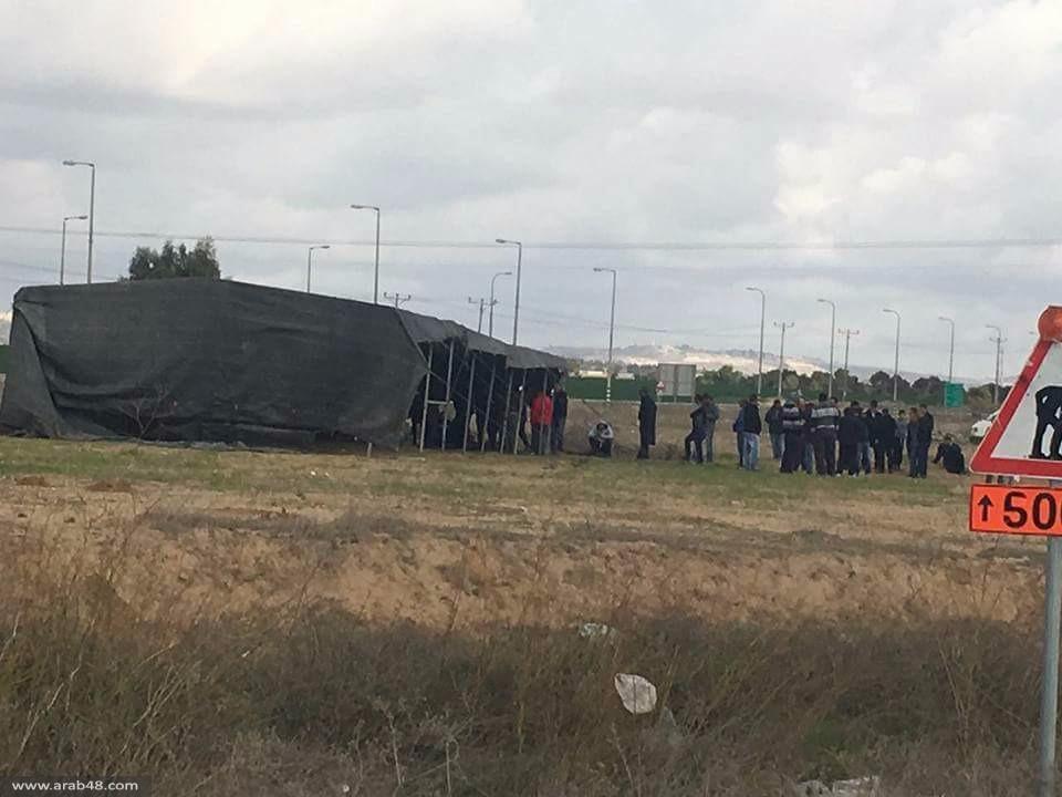 النقب: خيمة اعتصام مطالبة بتحرير جثمان الشهيد