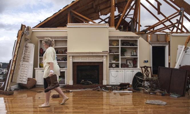 18 قتيلا وعشرات الجرحى بعواصف بالولايات المتحدة