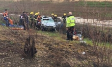 تخليص 4 أشخاص علقوا بسيارة إثر حادث طرق