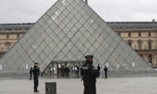 """فرنسا: اعتداء اللوفر """"إرهابي"""" والمنفذ مصري"""