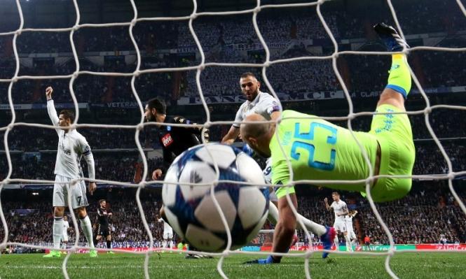 لماذا رفع كريستيانو يده بعد هدف بنزيمة؟