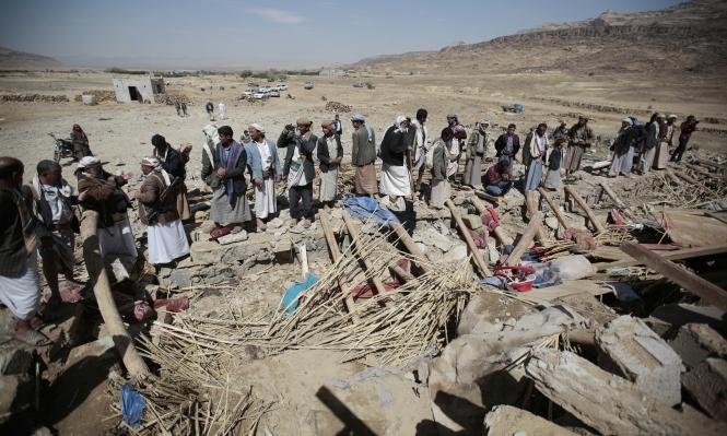 غارة جوية تقتل ثماني نساء وطفلا بمجلس عزاء بصنعاء