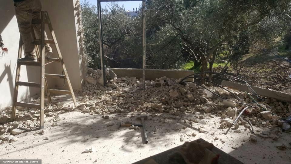 سلوان: الاحتلال يجبر عائلة مقدسية على هدم منزلها