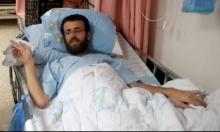 """القيق لمحاميه: أنا محتجز في """"قبر"""" ومصرّ على الإضراب"""