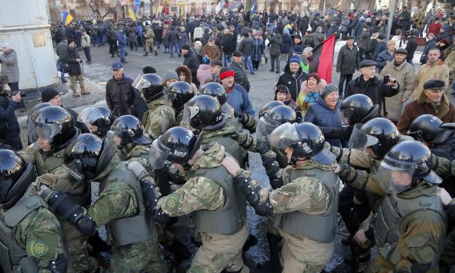 التزام بالهدنة بأوكرانيا وروسيا تستبعد السلام