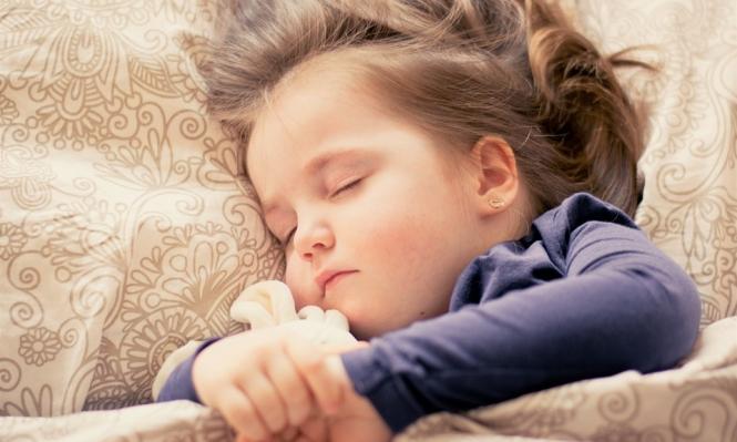 غياب النظام عن المنزل يصيب الأطفال باضطرابات في النوم