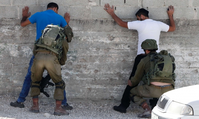 الاحتلال يسحب 125 تصريح عمل من فلسطينيين