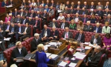مجلس اللوردات يؤيد قانون ماي للخروج من الاتحاد الأوروبي