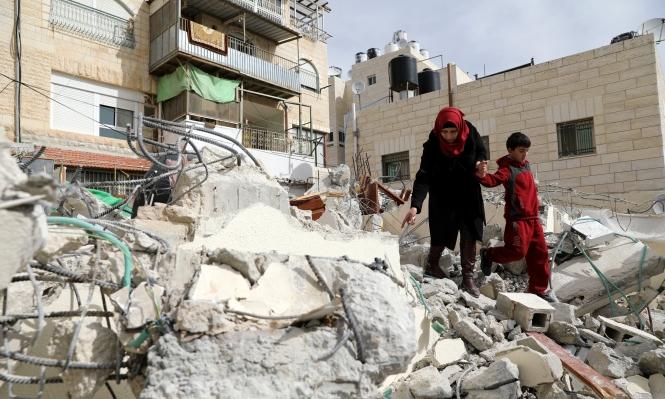 الاحتلال يهدم منزلا بالقدس ويعتقل 12 مواطنا بالضفة