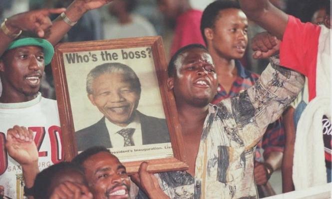 """""""مسدس مانديلا"""" في أول طلقة من الجزائر"""