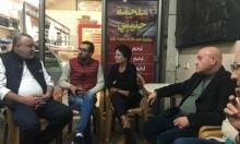 يافة الناصرة: حمى فتاتين من سطو... وحياته في خطر