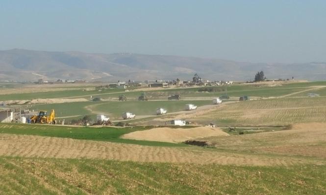 النقب: تجريف الأراضي وإبادة المحاصيل قرب وادي النعم