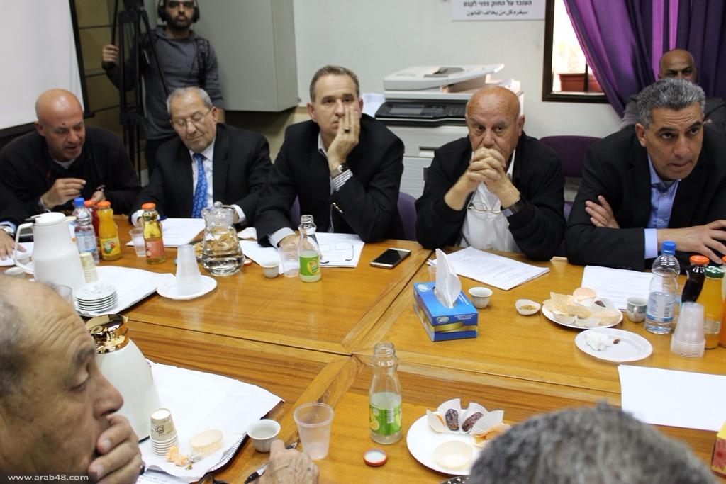 اللجنة القطرية متمسكة بالخطة الخماسية وترفض قانون إسكات الأذان