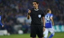حكم مباراة برشلونة وسان جيرمان يثير الجدل مجددا!