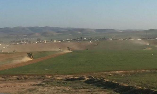 النقب: جرافات السلطات تحرث أراضي السرة وكسيفة