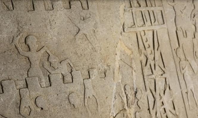 مزارع تركي يعثر على نقش عمره 4 آلاف عام