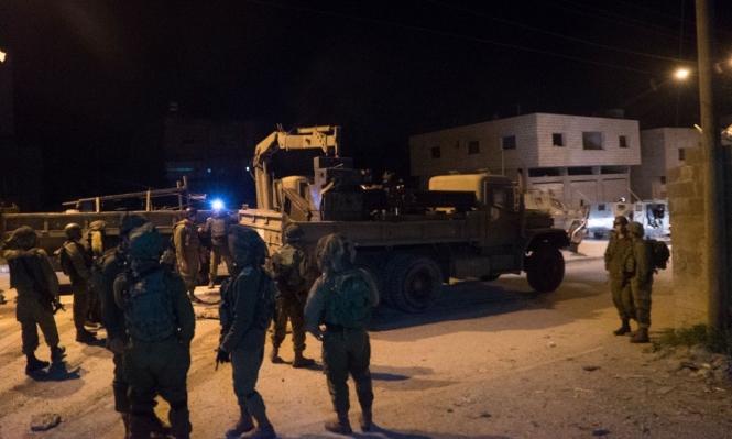 الاحتلال يعتقل 7 شبان بالضفة ويتوغل بالقطاع