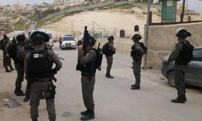 الاحتلال يغلق منزل الشهيد القنبر بالباطون