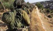 """قوات الاحتلال تخلي فلسطينيين من منازلهم """"للتدريب"""""""