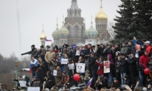 الكرملين يرفض دعوات واشنطن وبروكسل للإفراج عن المتظاهرين