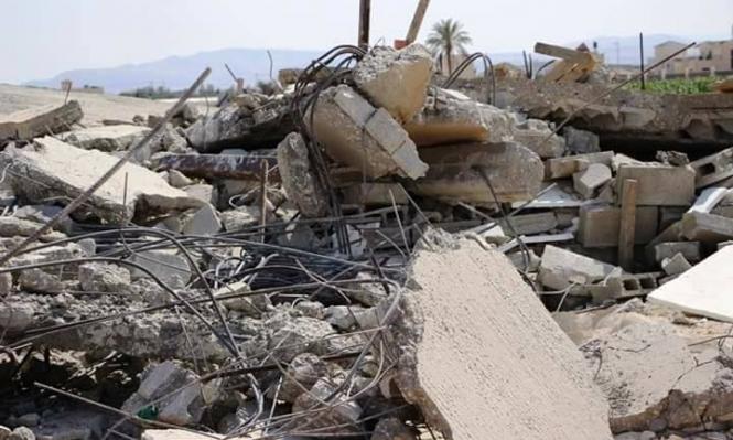 الاحتلال يهدم 3 منازل شرق أريحا