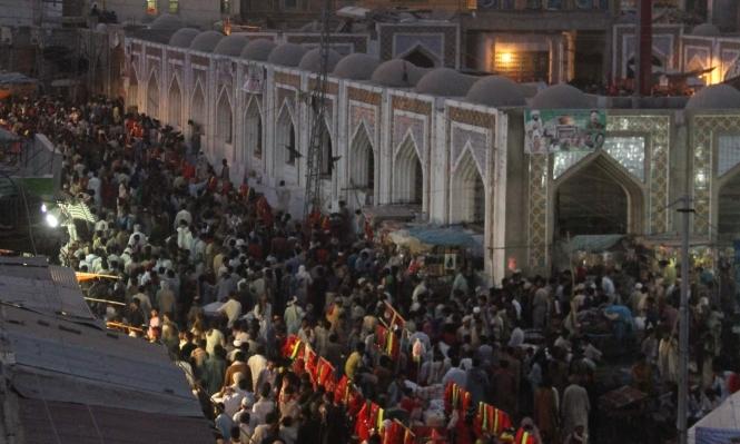 مقتل 20 شخصا في مقام ديني بباكستان
