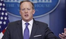 وزير إسرائيلي يطالب المتحدث باسم البيت الأبيض بالاستقالة